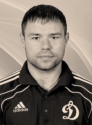 Игрок Динамо Великов Максим